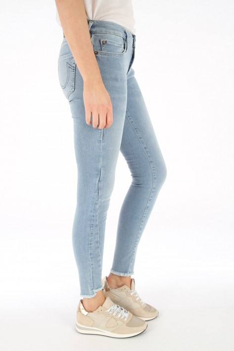 True Religion Jeans Hale Trueflex Denim - triangle